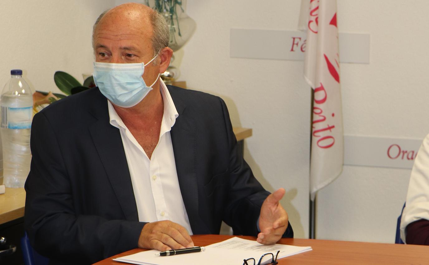 Prof. Dr. Carlos Martins - Presidente da Assembleia Geral